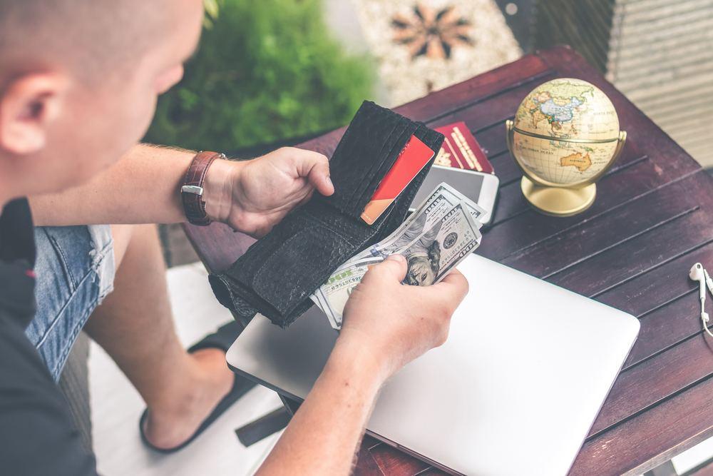 Ein früher Blick in den Geldbeutel kann Sie vor dem Aus bewahren